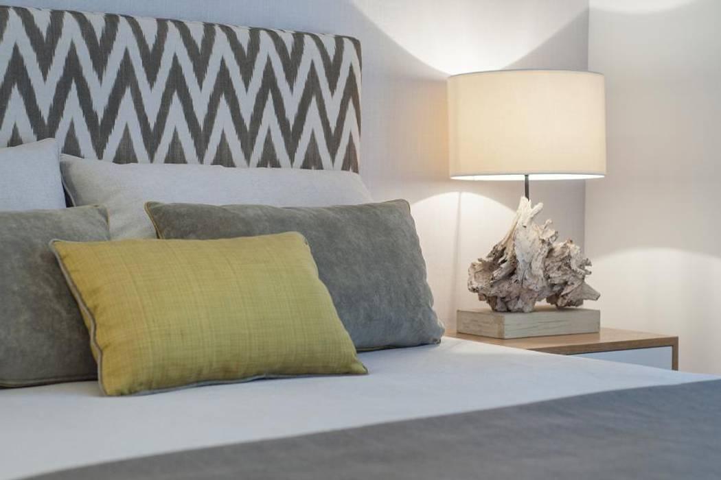 African Juju Room Quartos modernos por Ana Rita Soares- Design de Interiores Moderno