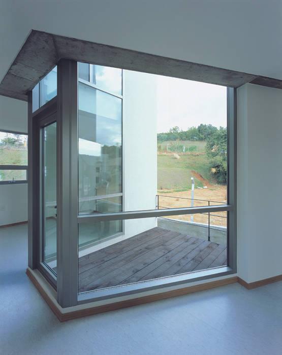 ISON ARCHITECTS Modernes Messe Design