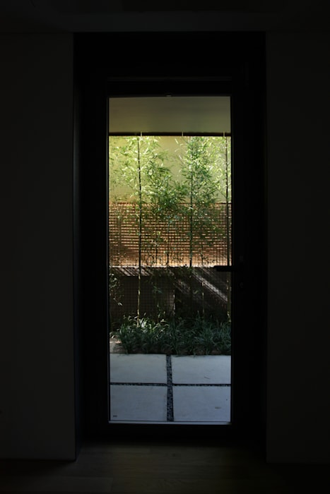 Pasillos, vestíbulos y escaleras de estilo moderno de ISON ARCHITECTS Moderno