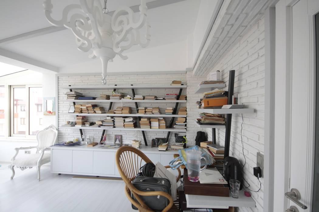 Estudios y despachos de estilo rústico de DerganÇARPAR Mimarlık Rústico