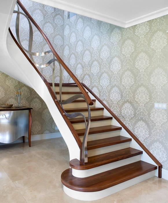 ST795 Schody nowoczesne gięte / ST795 Curved Modern Stairs: styl , w kategorii Korytarz, przedpokój zaprojektowany przez Trąbczyński