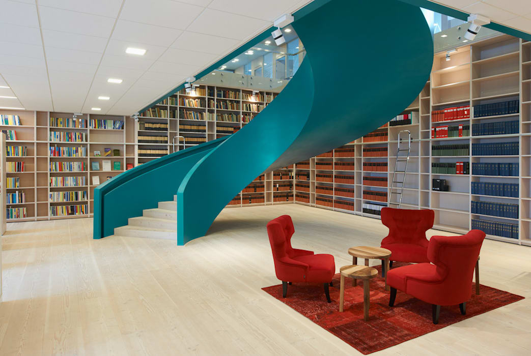 Office in Goteburg Modern offices & stores by Stair Factory Modern
