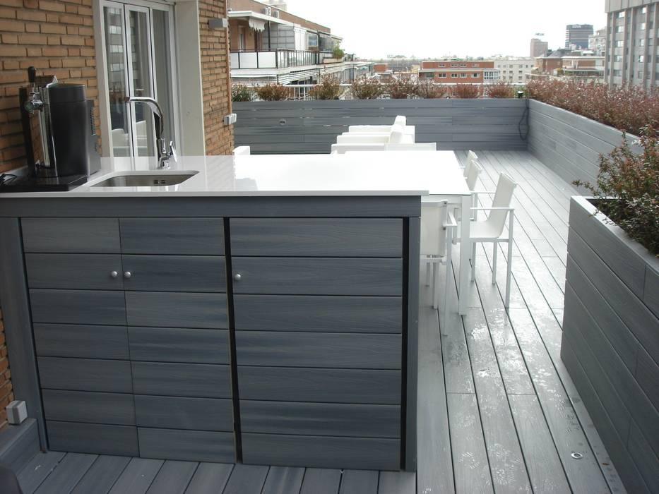 Mueble bar realizado a medida Balcones y terrazas de estilo moderno de Palos en Danza Moderno
