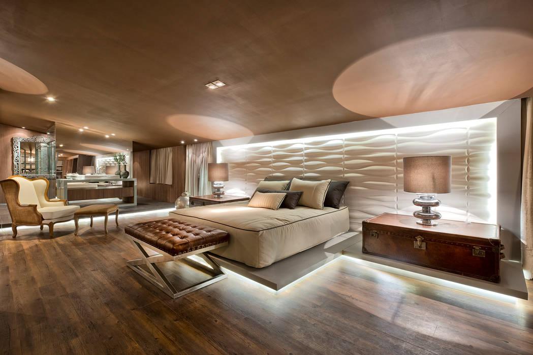 Loft de 250m²: Quartos  por Riskalla & Mueller Arquitetura e Interiores ,Moderno