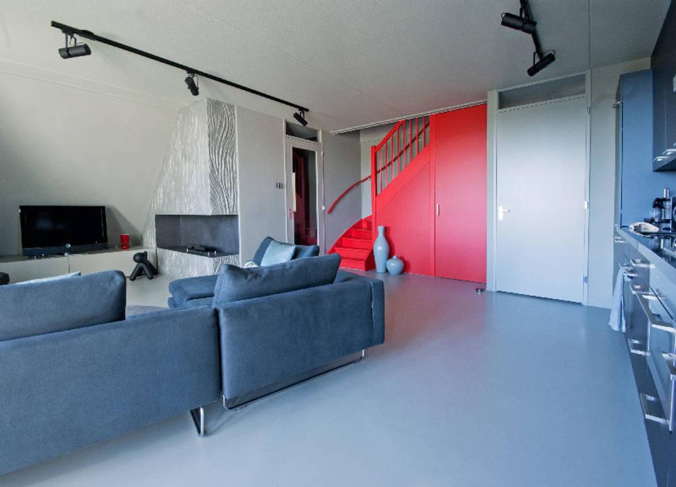Salones de estilo minimalista de CioMé Minimalista