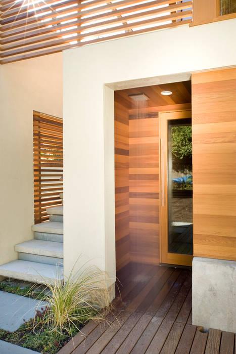 Laurelhurst Carriage House Casas modernas por PATH Architecture Moderno