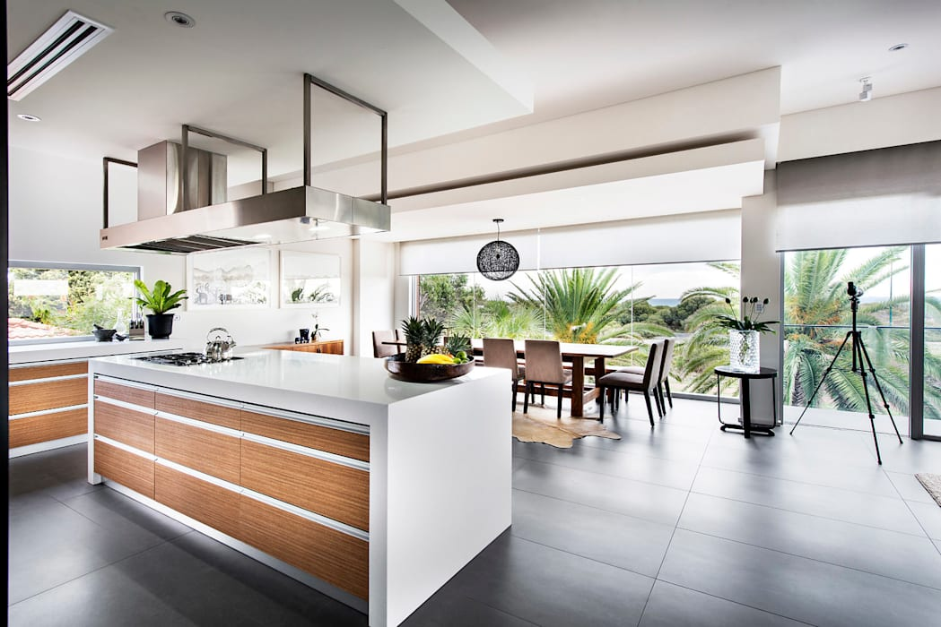 Island Bench Modern kitchen by D-Max Photography Modern