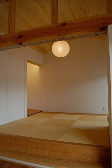 trough モダンな 壁&床 の Y.Architectural Design モダン