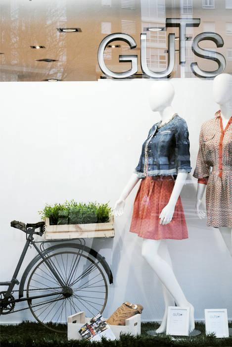 Tienda de Moda Guts interior03 Oficinas y tiendas de estilo moderno
