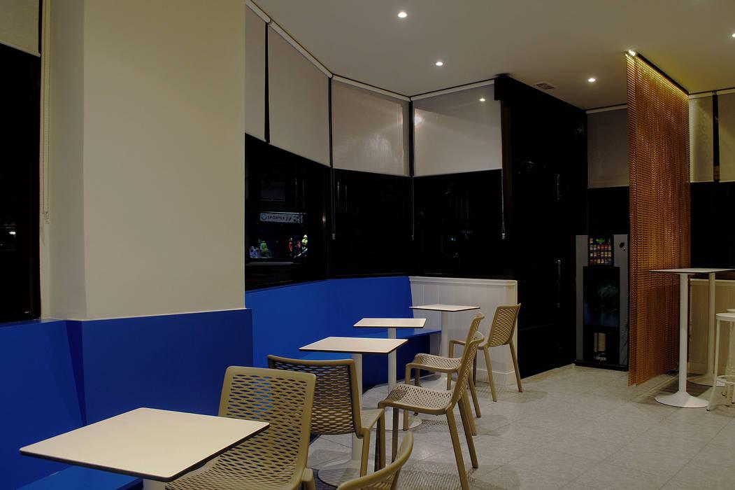 Bar IRIS interior03 Gastronomía de estilo moderno