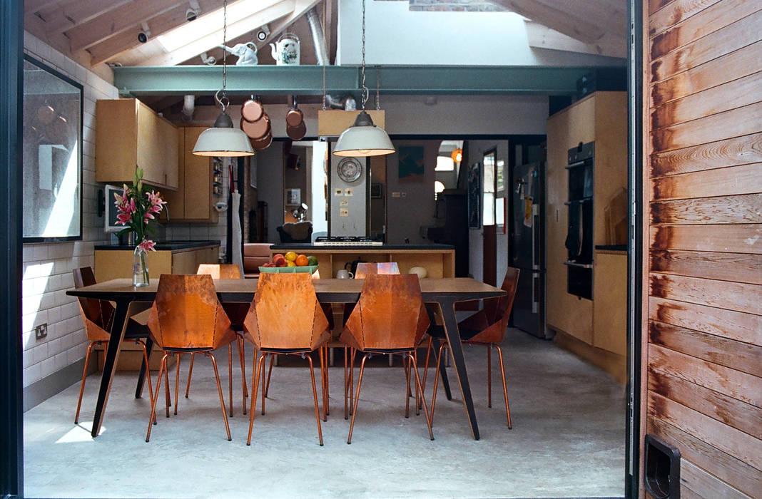 Kitchen/Dining Room Nhà bếp phong cách hiện đại bởi homify Hiện đại