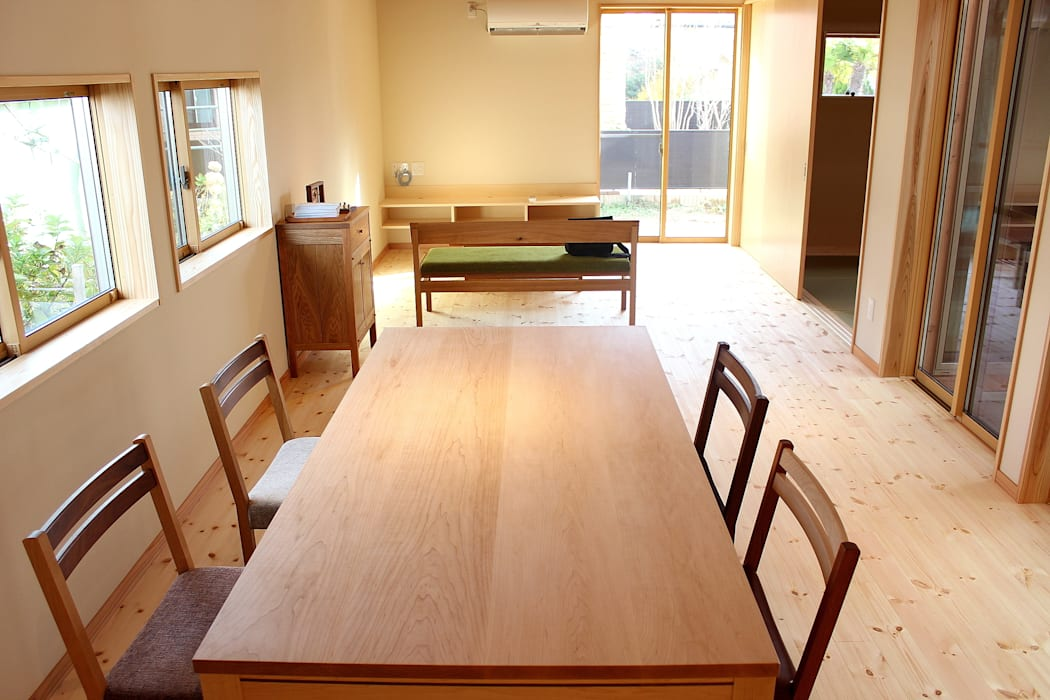 Dining room by trusty wood works