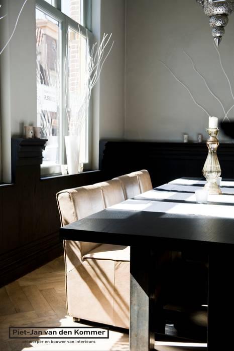 Modern dining room by Piet-Jan van den Kommer Modern