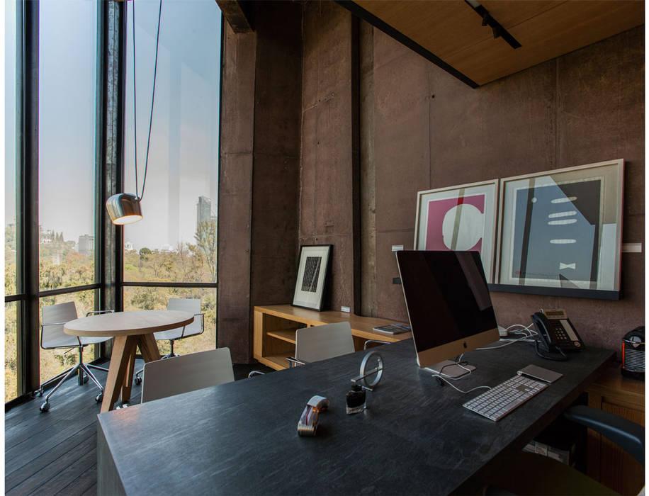 Dirección: Oficinas y tiendas de estilo  por Cm2 Management, Rústico