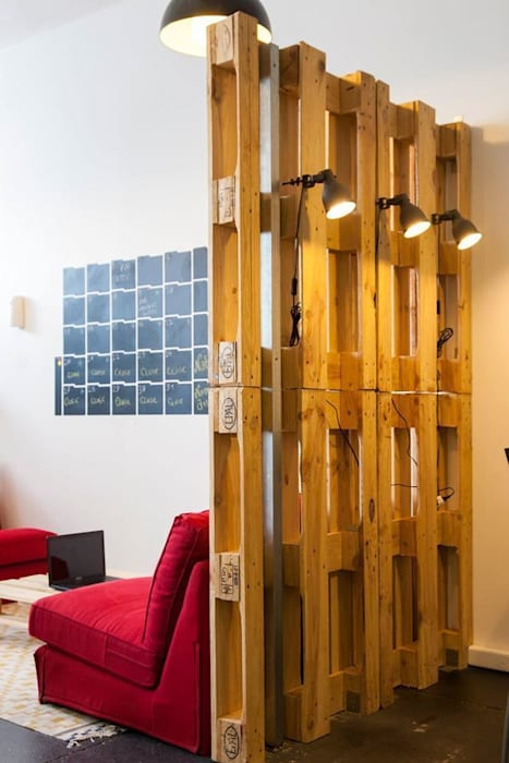 Traço Magenta - Design de Interiores Office spaces & stores Grey