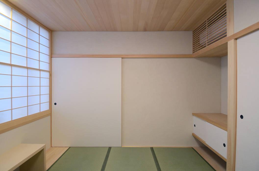 法衣室 クラシックデザインの 多目的室 の 中川龍吾建築設計事務所 クラシック