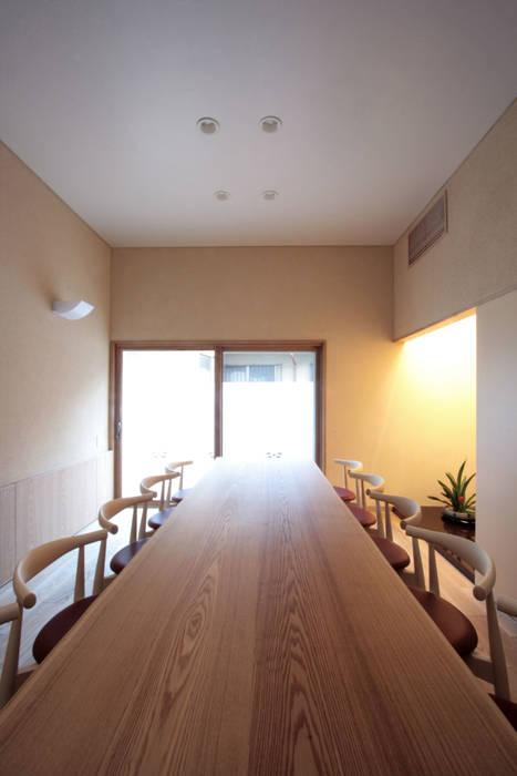 応接室: 中川龍吾建築設計事務所が手掛けた和室です。