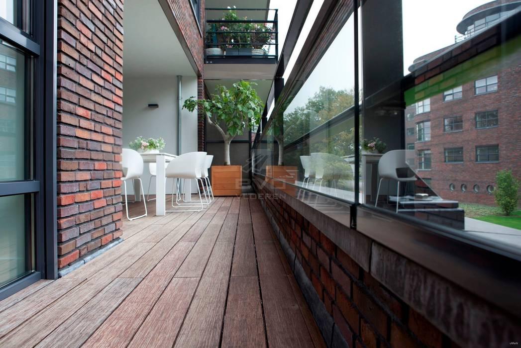 Bamboe terrasdelen :  Terras door BVO Vloeren, Modern