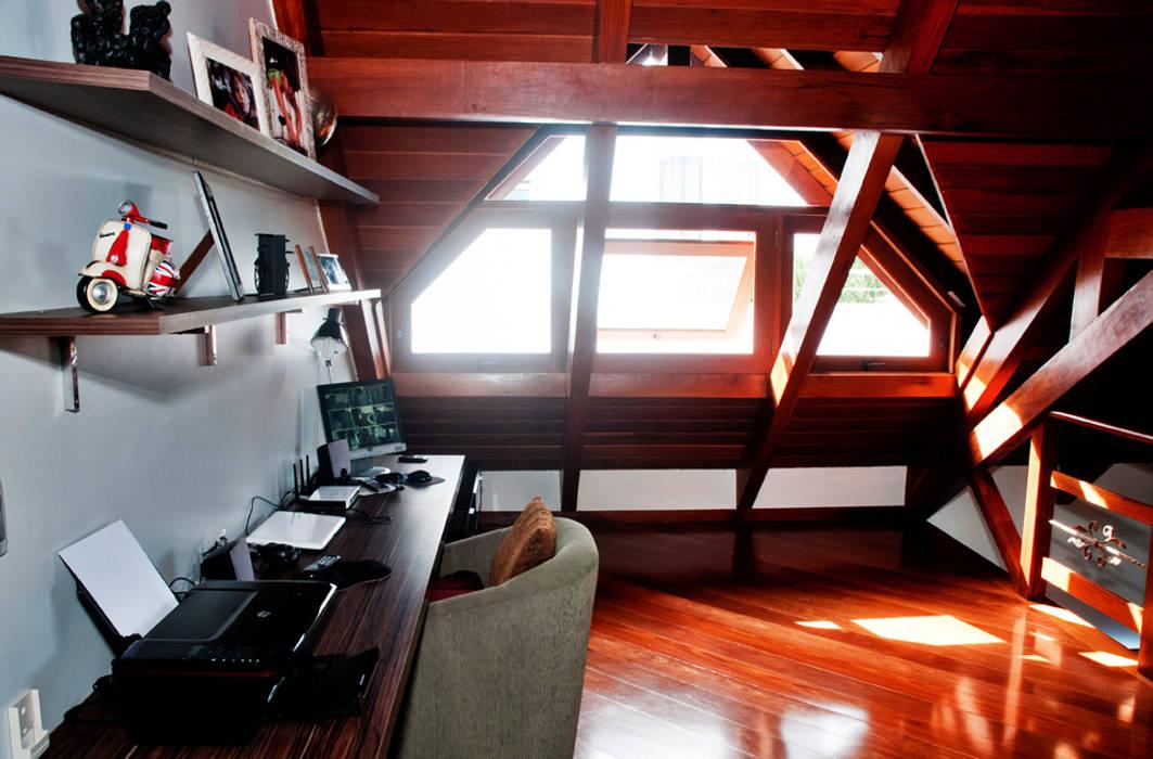 Estudios y bibliotecas de estilo rústico de ArchDesign STUDIO Rústico
