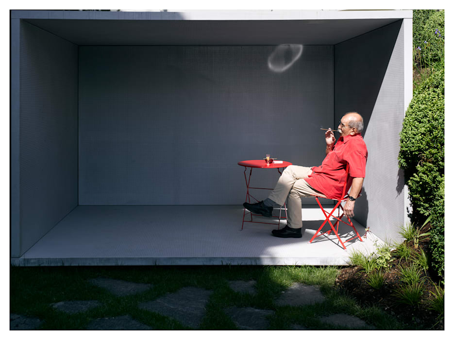 Smoking Pavilion:  Garden by Gianni Botsford Architects,