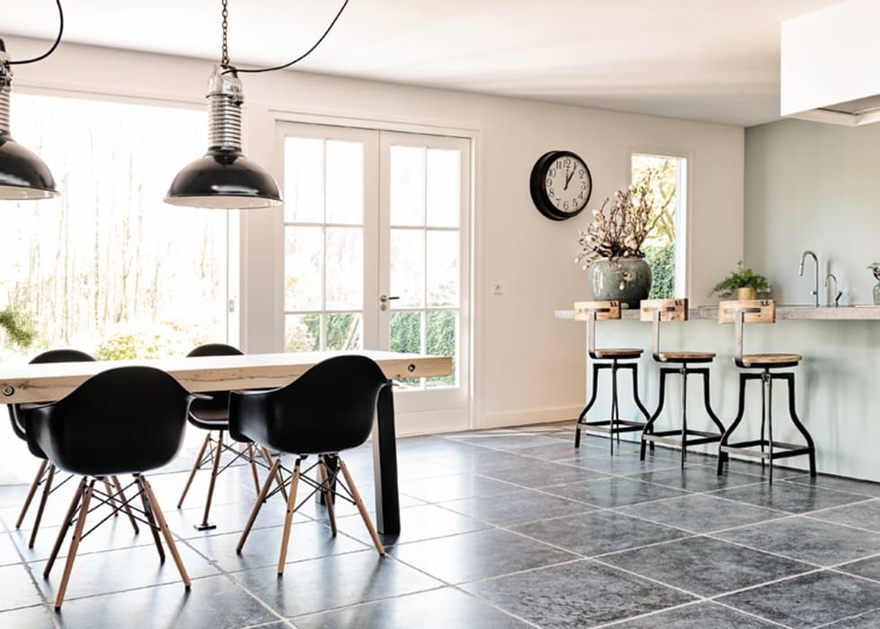 Wonen in het bos:  Keuken door Jolanda Knook interieurvormgeving