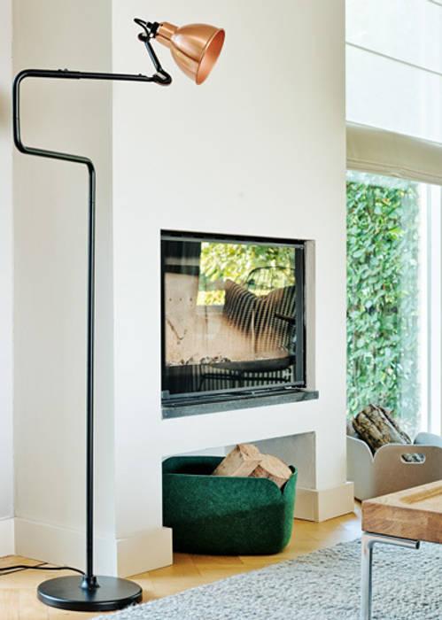 Wonen in een landelijk gebied:  Woonkamer door Jolanda Knook interieurvormgeving