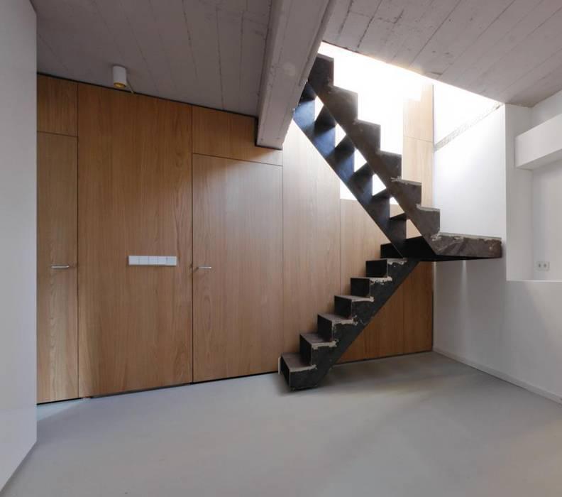 Oude Schans, Amsterdam Moderne gangen, hallen & trappenhuizen van Hamers Meubel & Interieur Modern