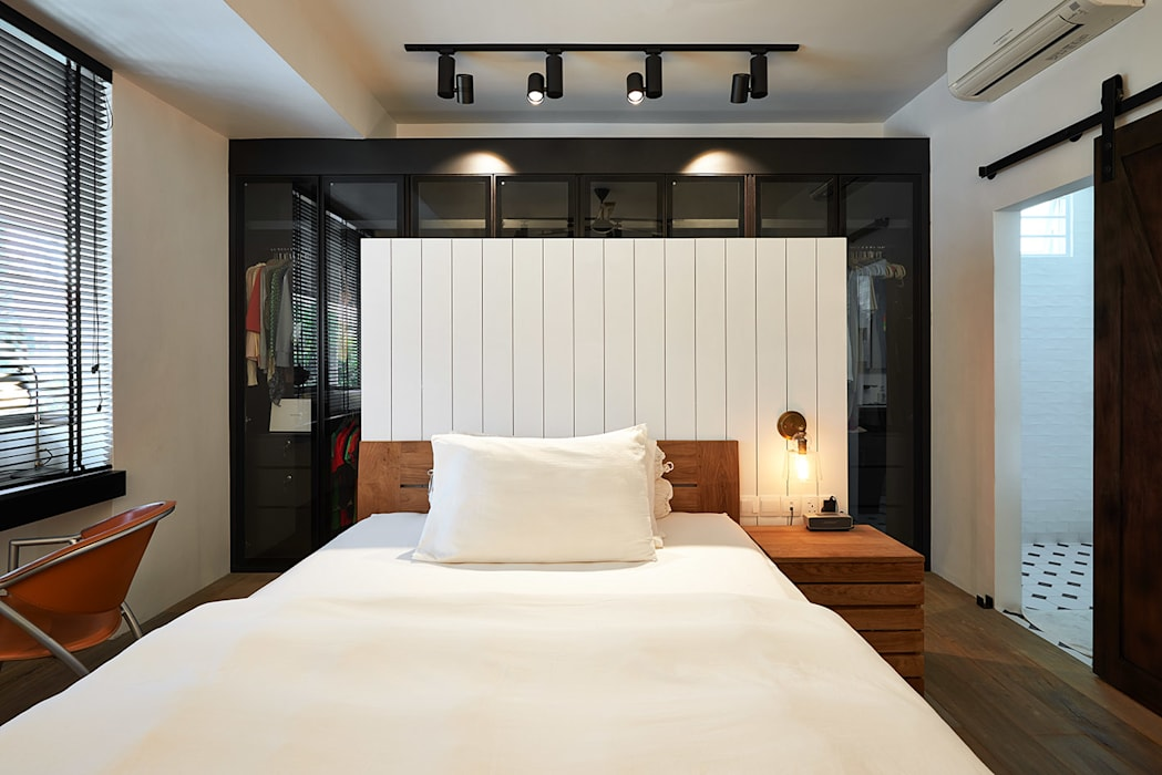 Scandustrial Theme Industrial style bedroom by Eightytwo Pte Ltd Industrial