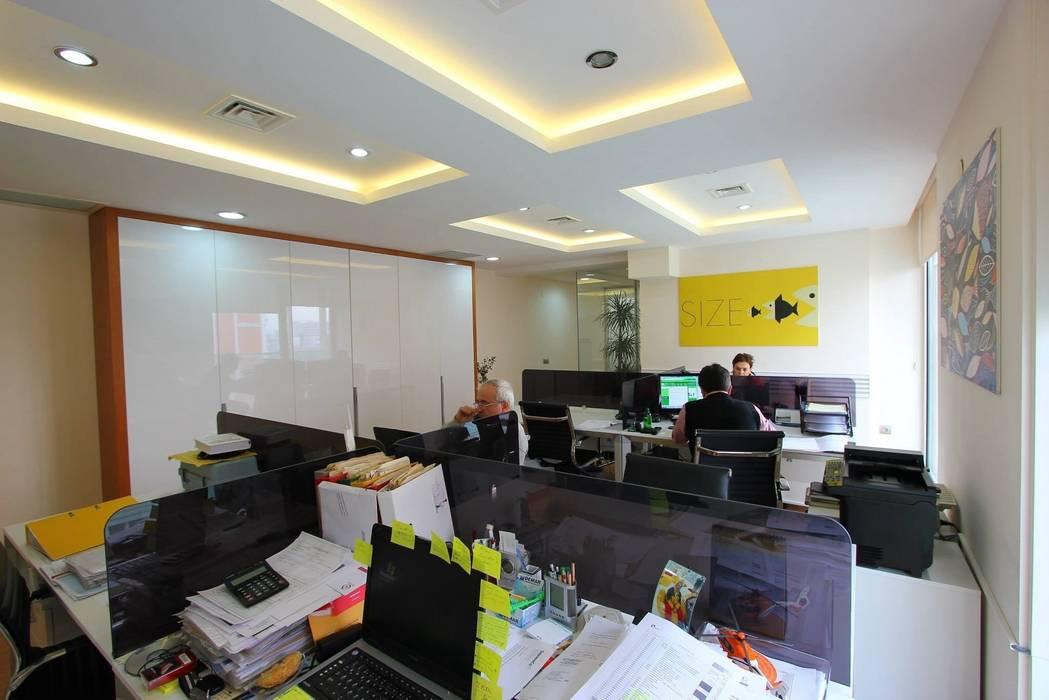 TARKAN OKTAY MİMARLIK – EGEMAR A.Ş.:  tarz Ofis Alanları, Minimalist