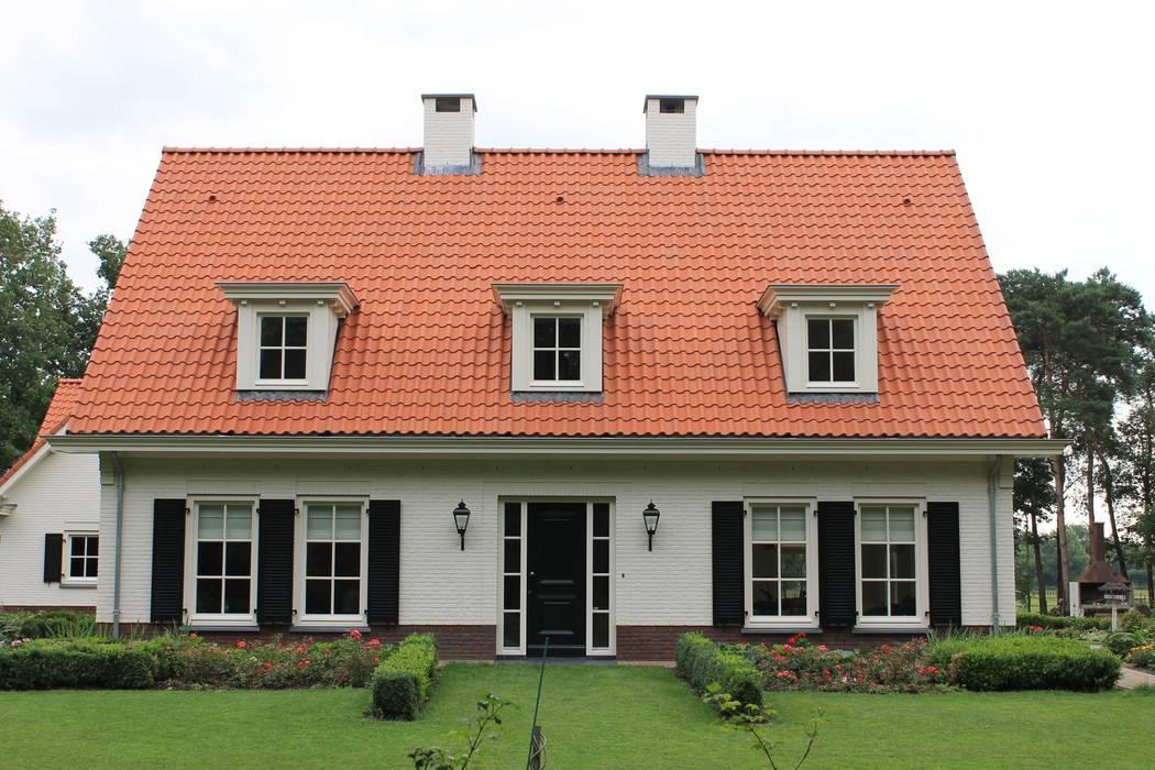 Casas de estilo  por Arceau Architecten B.V., Clásico