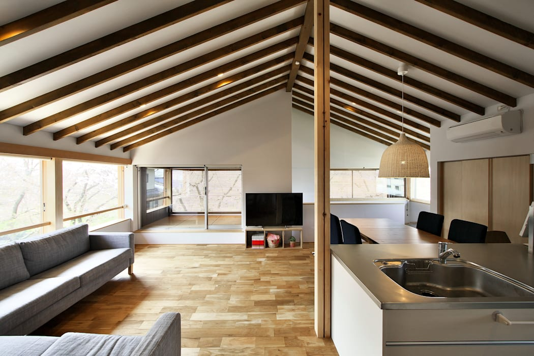 桜並木の家 オリジナルデザインの リビング の 五藤久佳デザインオフィス有限会社 オリジナル