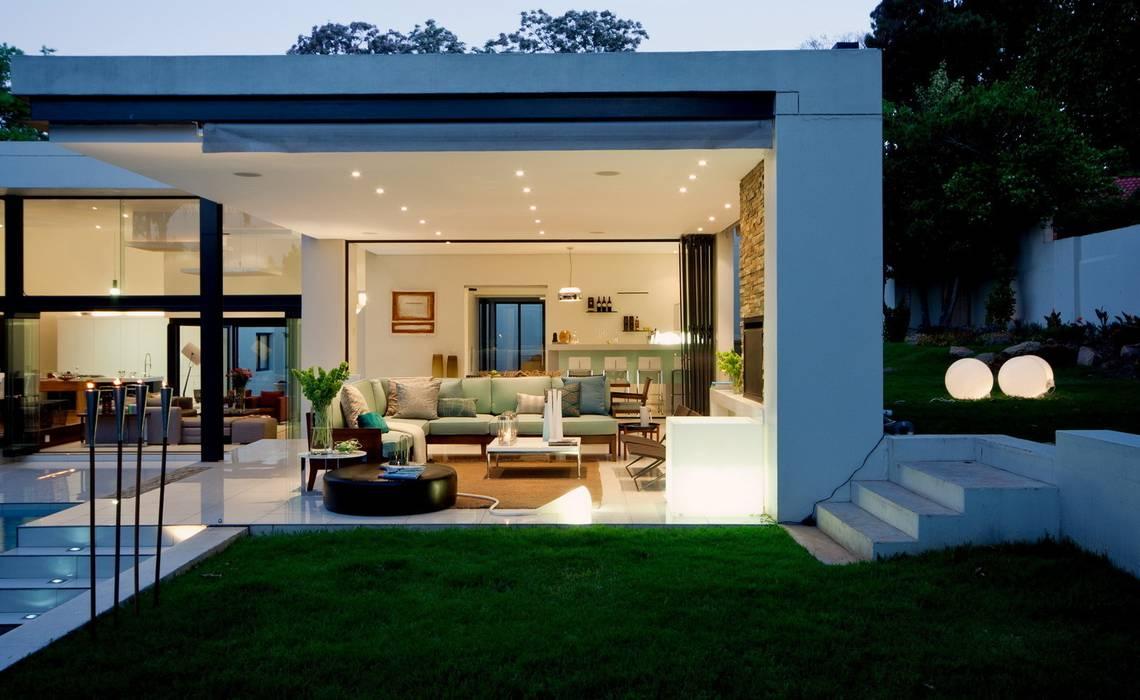 Rumah oleh Nico Van Der Meulen Architects