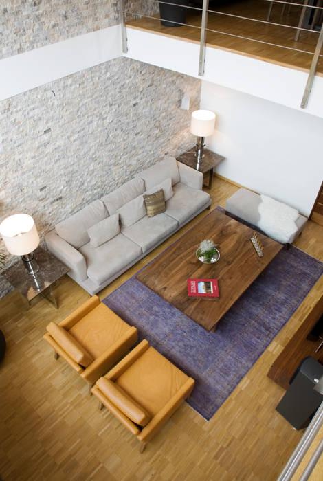 Salon moderne par Escapefromsofa Moderne