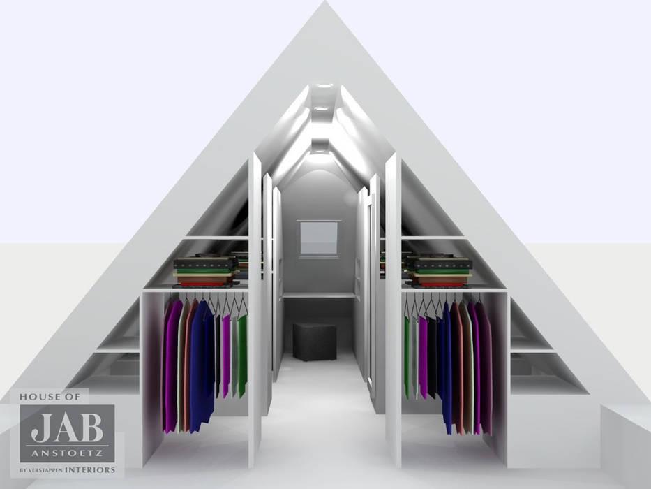 Inloopkast walk in closet onder schuine kap kleedkamer door