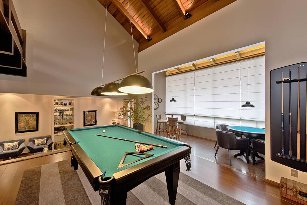 Sala de jogos: Salas de estar  por Espaço do Traço arquitetura