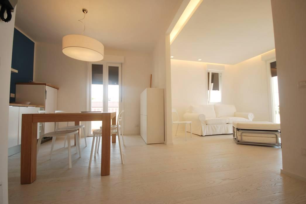 Ruang Keluarga Modern Oleh Viviana Pitrolo architetto Modern