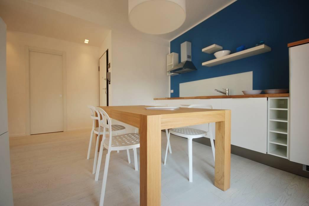 Residenza estiva Cucina moderna di Viviana Pitrolo architetto Moderno