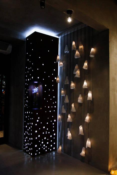 Салон красоты Domenico Castello: Стены в . Автор – Fineobjects, Модерн