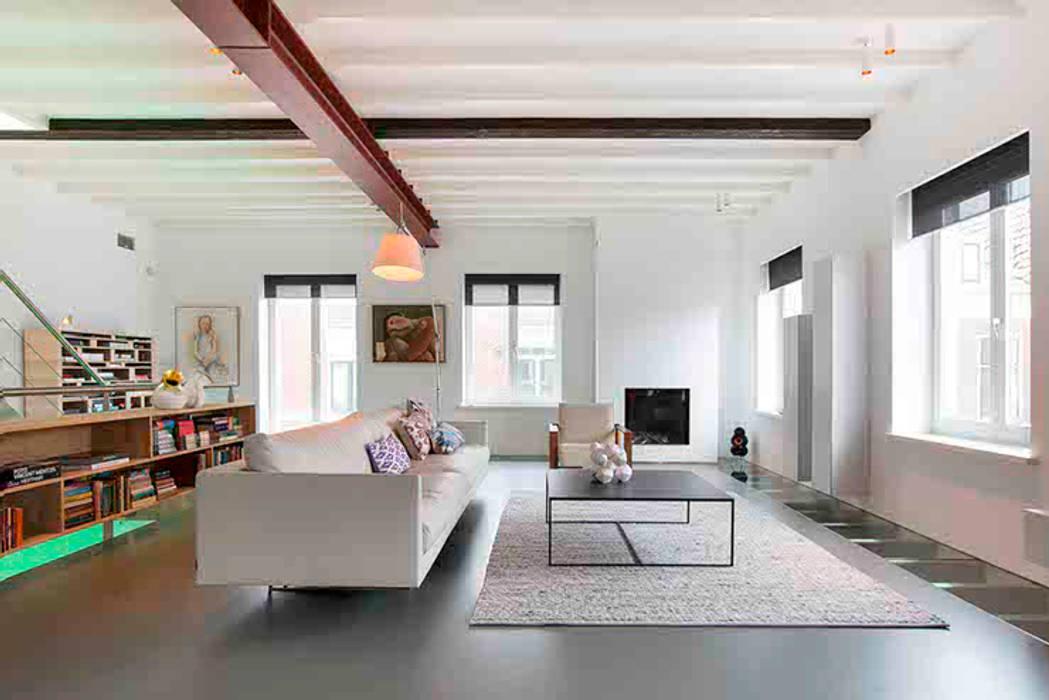 Salas modernas de Architectenbureau Filip Mens Moderno