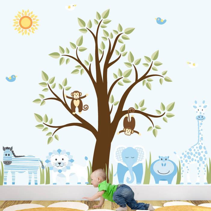 Deluxe Jungle Animal Luxury Nursery Wall Art Sticker Design for a baby boys nursery room par Enchanted Interiors Moderne