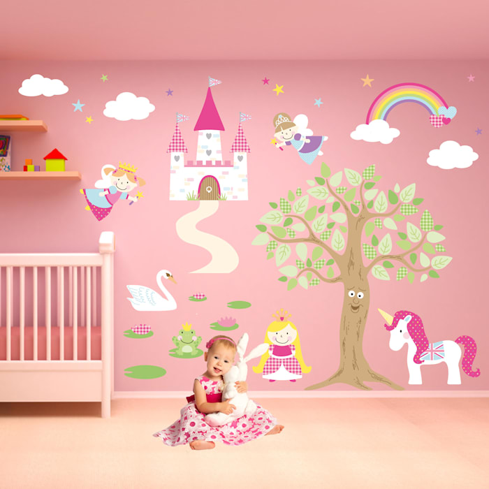 Deluxe Enchanted Fairy Princess Luxury Nursery Wall Art Sticker Design for a baby girls nursery room 根據 Enchanted Interiors 現代風