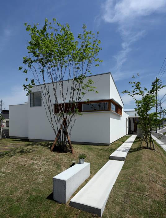 ファサード アプローチ 北欧風 家 の 松原建築計画 一級建築士事務所 / Matsubara Architect Design Office 北欧