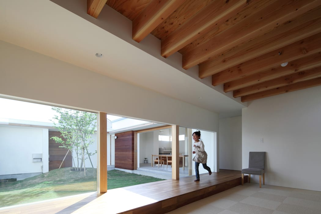 子供スペース 北欧デザインの 子供部屋 の 松原建築計画 一級建築士事務所 / Matsubara Architect Design Office 北欧 木 木目調