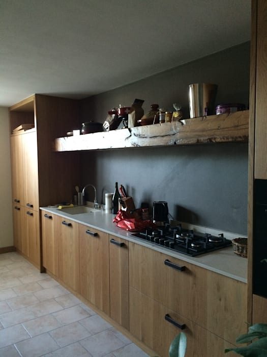 Taverna di rovere con sapore di vino: cucina in stile di ...