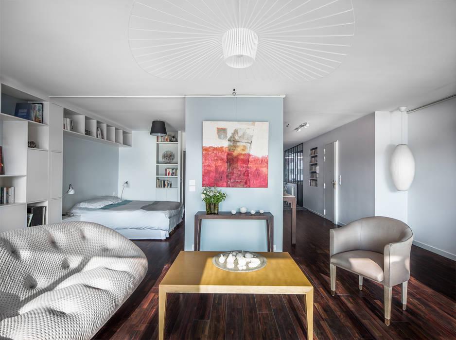 VUE SUR SEINE: Salon de style de style Moderne par AP ARCHITECTES