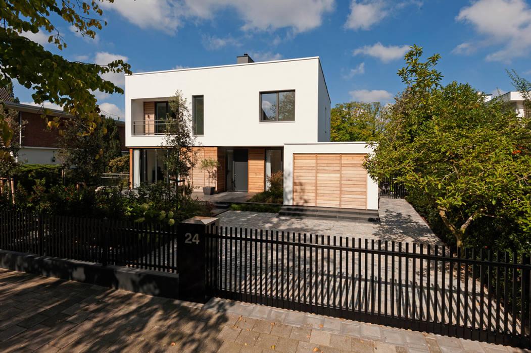Houses by paul seuntjens architectuur en interieur, Modern