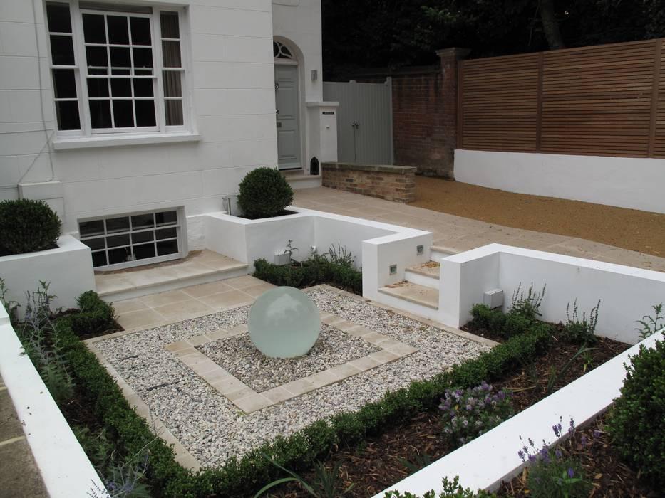 Front Garden water feature Modern garden by Cherry Mills Garden Design Modern