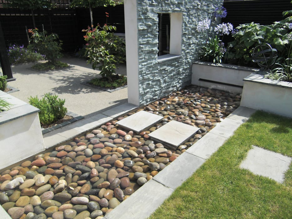 Small, contemporary garden Bracknell, Berkshire:  Garden by Linsey Evans Garden Design,