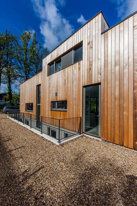 現代房屋設計點子、靈感 & 圖片 根據 paul seuntjens architectuur en interieur 現代風