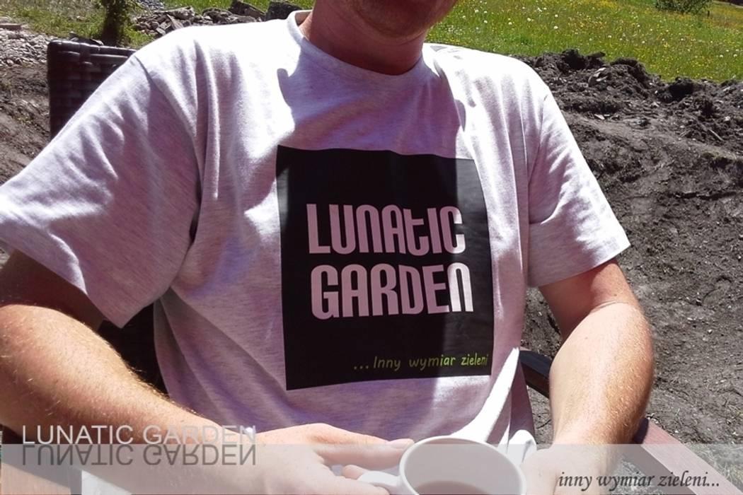 de estilo  por Lunatic Garden, Moderno